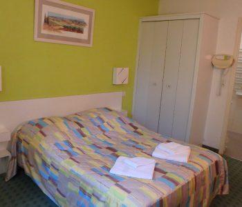 chambre lit double à sisteron